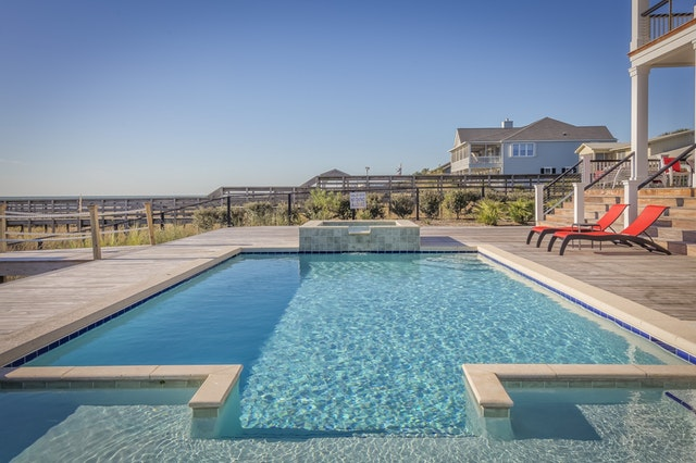 Een zwembad aanleggen in de tuin